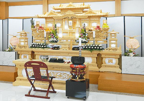 30万円コース生花祭壇会館葬 祭壇 祭壇の大きさ : 3m60cm[12尺] 生花も含まれております。